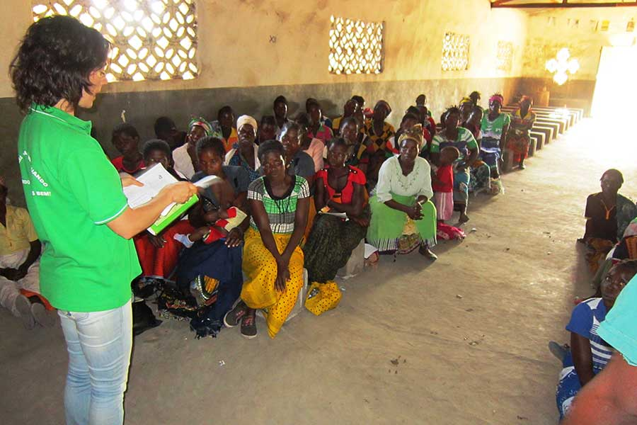 Organising actions with women in the village